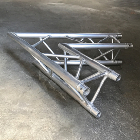 Tweedehands PRO-truss PRO 33 C200 truss driehoek 60 graden 2-weg hoek