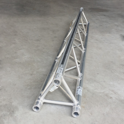 Tweedehands Naxpro-Truss ED33 driehoek 200 cm met 3-fase rail