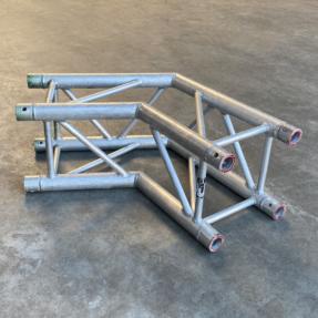 Tweedehands Eurotruss FD34-L120 truss vierkant 2-weg 120 graden