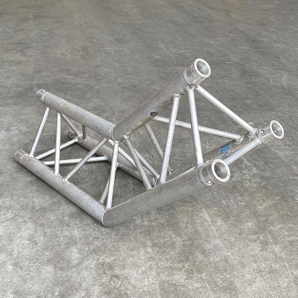 Tweedehands Prolyte Z-H30D-C2-008 truss driehoek 135 graden 2-weg hoek